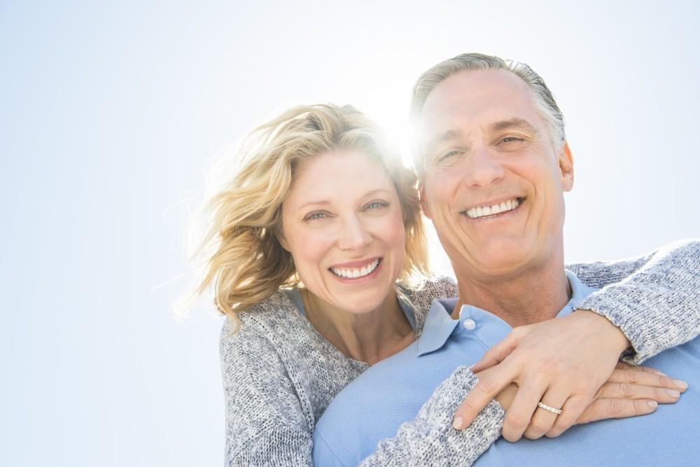 Should you get dental implants or dentures?